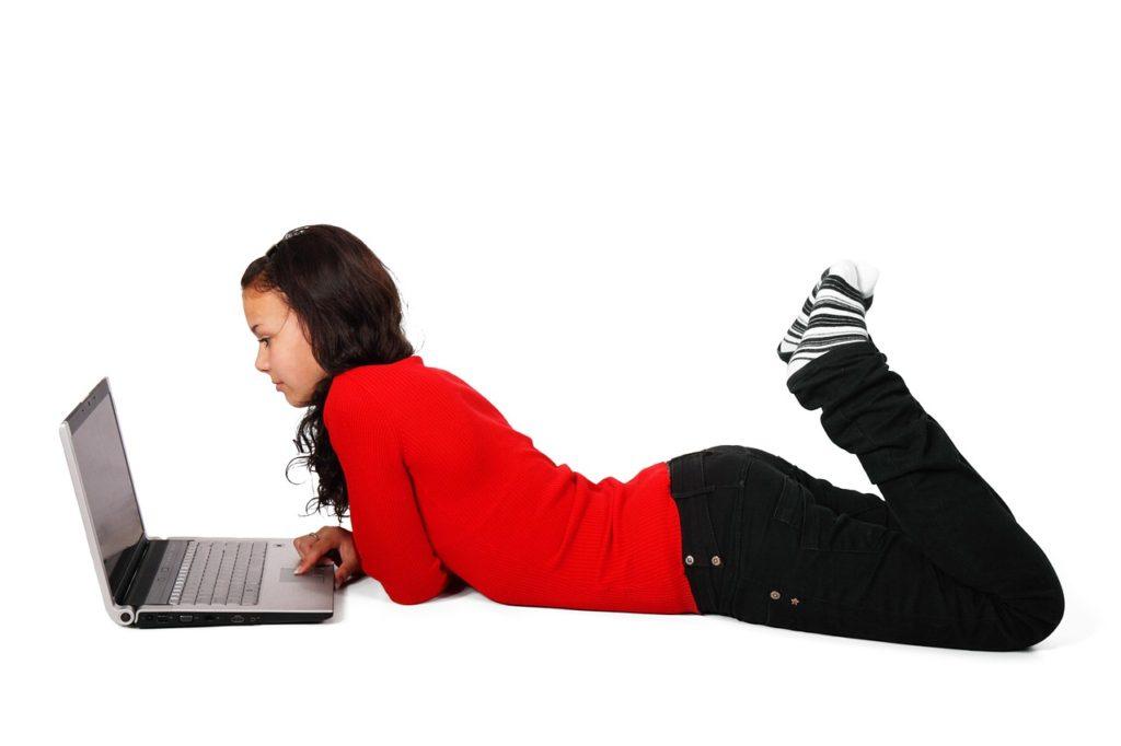 patrik gajdoš holka u počítače